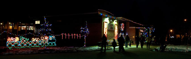 longmont lights memorial building night